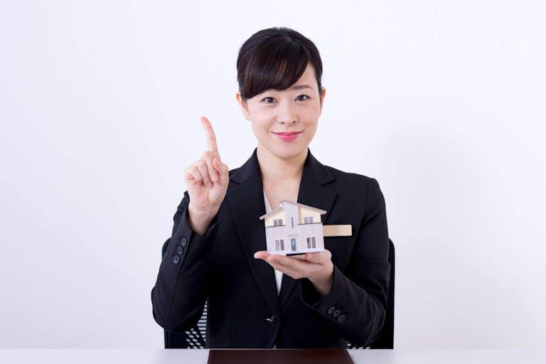 マンションを売るか貸すか悩んでいる方注目!判断基準を解説