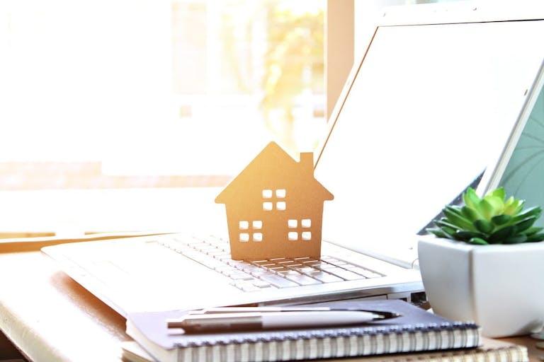 台風で家が壊れる確率は?強風で家が壊れそうなとき事前に備えておく対策を解説!