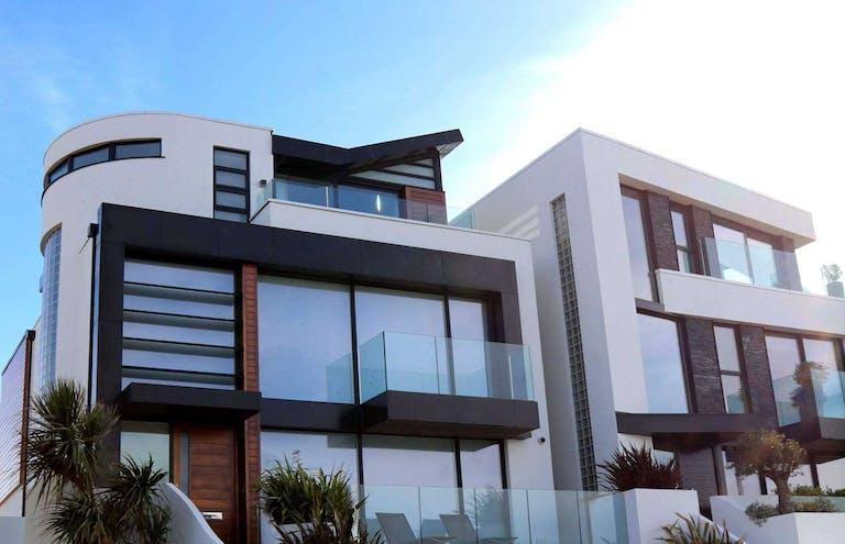 家を住み替えたい!必要な費用や流れ。ローン返済中の家はどうする?