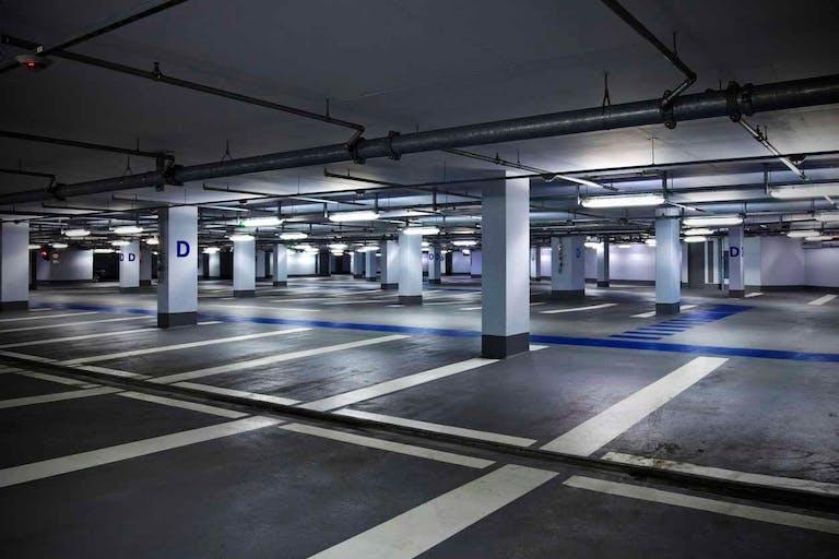 傾斜地で駐車場をつくるには 造成工事の内容と費用相場