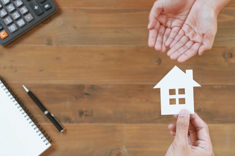 持ち家を賃貸に出したら税金はいくら?その種類や税率を解説