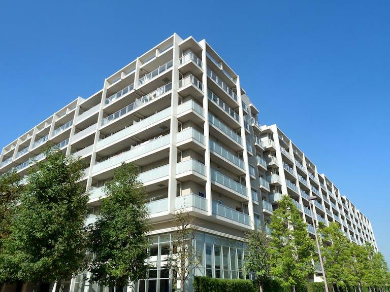 100坪の土地でアパート建築を始めるために必要な建築費用