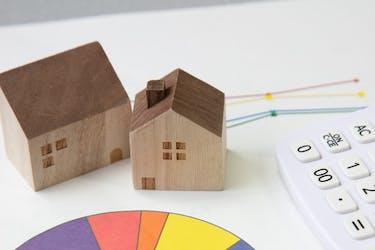 アパートの平均的な建て替え年数は?構造ごとの耐用年数を解説